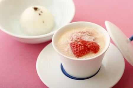 「豆乳甘麹の紅ほっぺ茶碗蒸し 白味噌山椒アイス添え」 1,296 円