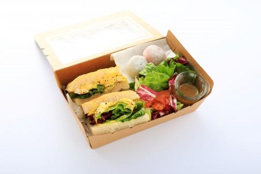 セガフレード・ザネッティ・エスプレッソ サンドイッチBOX 大福添え(600円)