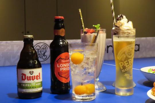 好きなお酒を傾けながら、卓球を楽しもう