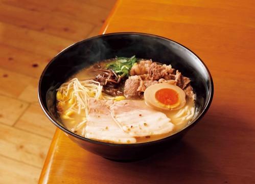 Kagoshima ramen Miyoshi family: specially made black pork and black beef Kagoshima ramen