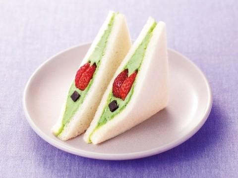 [Sandwich House Fairy Tale] Pistachio Cream Sandwich <Strawberry and Chocolate>
