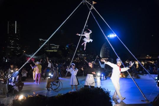 """Yokohama Paratriennale 2017"" Outdoor Circus Scenery (Photo: Tsutomu Kato)"