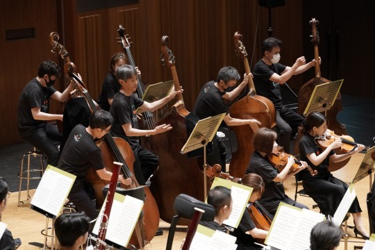 The beautiful orchestral tone of the Tokyo Metropolitan Symphony echoes
