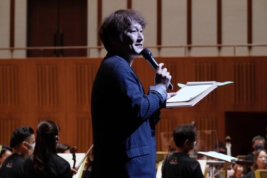 Mr. Kensaku Kobayashi acting as MC