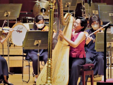 """The second song is Castelnuovo-Tedesco """"Small Concerto for Harp and Chamber Orchestra op.93"""" with Naoko Yoshino as a soloist."""